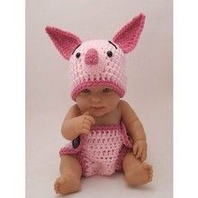 crochet piglet costume - squeal!  I love this!  I need a baby to make this for.  Although my puppy would look pretty darn cute in it too!