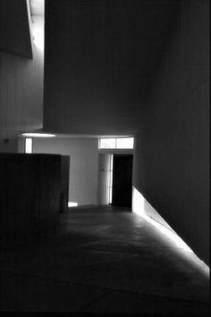 Galería de Clásicos de Arquitectura: Capilla del Monasterio Benedictino / Gabriel Guarda, Martín Correa - 16