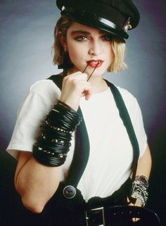 Madonna-The Epitemy of the look cool shoes and hat Madonna 80s Outfit, Madonna Costume, Madonna Fashion, 80s Costume, Costumes, Madonna Concert, Look Rock, Madona, 80s Party Outfits