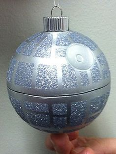 Death Star Ornament Death Star Ornament Maybe put glitter on inside and then trace outside with silver sharpie (that way you don't have to cut it in half) Star wars Star Wars Christmas Tree, Noel Christmas, Christmas Bulbs, Christmas Crafts, Disney Christmas, Christmas Globes, Star Wars Christmas Decorations, Star Wars Crafts, Geek Crafts