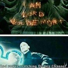 Harry Potter meme of Voldemort doing the Disney channel intro Harry Potter Mems, Harry Potter Pictures, Harry Potter Facts, Harry Potter Quotes, Harry Potter Fandom, Harry Potter World, Harry Potter Characters, Disney Channel, Magia Harry Potter