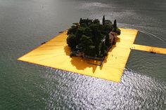 the-Floating-Piers-christo-and-jeanne-claude-lake-iseo-italy-11