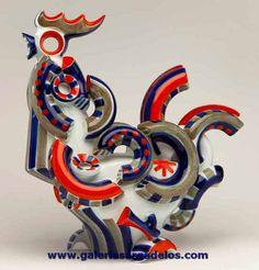 El gallo de Sargadelos es una verdadera obra maestra por su complejidad técnica y sus connotaciones sociales.
