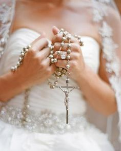 Tips For Planning The Perfect Wedding Day. Few brides and grooms found their wedding planning process to be stress-free. Wedding Tips, Our Wedding, Wedding Planning, Budget Wedding, Wedding Images, Wedding Themes, Wedding Events, Wedding Stuff, Quinceanera Photography