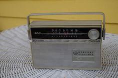 Vintage GE General Electric Portable 9 Transistor AM Radio by retrowarehouse on Etsy