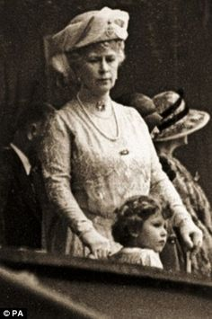 Queen Mary with her granddaughter Princess Elizabeth of York