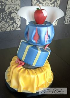 Blanca nieves  Snow White's Dress Cake (and other amazing cakes)