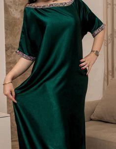 Abaya Fashion, Suit Fashion, Muslim Fashion, Fashion Outfits, Latest African Fashion Dresses, African Print Fashion, Abaya Style, Arabic Dress, Mode Abaya