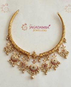 Stunning kanti necklace with chaandbali hangings. Kanti necklace with guttapusalu hangings. Gold Jewelry Simple, Silver Jewelry, Silver Earrings, Coral Jewelry, India Jewelry, Glass Jewelry, Silver Ring, Drop Earrings, Rajputi Jewellery