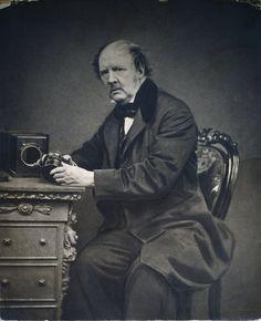William Henry Fox-Talbot foi um escritor e cientista inglês e o pioneiro da fotografia
