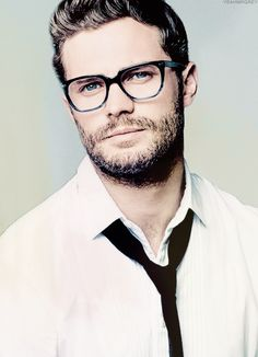 I'm obsessed with this pic. Love a man in glasses