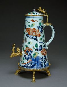Coffeepot with Mounts, China (?), late 17th century, porcelain, bronze, gold