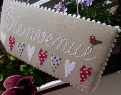 Bienvenue ! Burlap, Reusable Tote Bags, Embroidery, Deco, Country, Blog, Cross Stitch, Boxes, Needlepoint