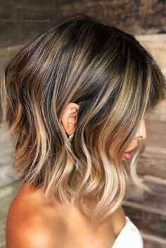 Lob-Haircut-W-Balayage Best Wavy Bob Hairstyles You will Like Medium Hair Styles, Curly Hair Styles, Balayage Lob, Balayage Bob Brunette, Balayage Hairstyle, Brunette To Blonde, Wavy Bob Hairstyles, Summer Hairstyles, Pretty Hairstyles