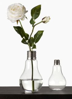 Make your floral arrangements even prettier by placing them in the perfect vase. View our wholesale glass vases today - we have a great variety of styles! Small Flower Bouquet, Flower Vases, Vase Centerpieces, Bud Vases, Light Bulb Vase, Old Lights, Trendy Home Decor, Nyc, Floral Supplies