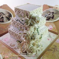 186. 'English rose' Exploding box with cake