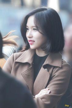 K Pop, Kpop Girl Groups, Kpop Girls, Medium Hair Styles, Short Hair Styles, Heart Face, Cute Princess, Myoui Mina, Japanese American