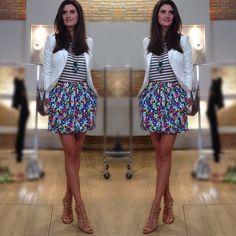look com mix de estampas da Isabela Fiorentino combinação perfeita!!!listras e floral
