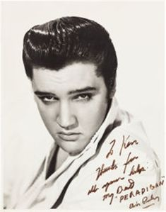 Elvis Presley Signed and Inscribed Oversized Portrait by Bud Fraker. Here is a very special autographed - Available at 2014 August 23 Entertainment &. King Elvis Presley, Graceland Elvis, Elvis Presley Movies, Elvis Presley Photos, Priscilla Presley, Carole Lombard, Young Elvis, Artists And Models, King Of My Heart