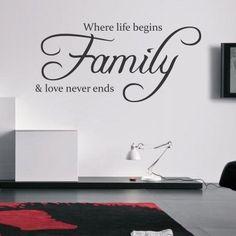 """Adesivo Murale - Family and love.  Adesivo murale di alta qualità con pellicola opaca di facile installazione. Lo sticker si può applicare su qualsiasi superficie liscia: muro, vetro, legno e plastica.  L'adesivo murale """"Family and love"""" è ideale per decorare il soggiorno. Adesivi Murali."""