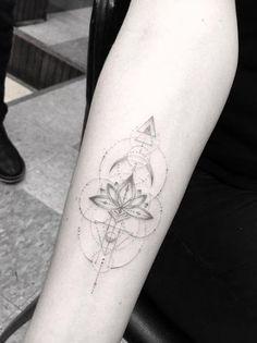 Este geométricas lotus flower design