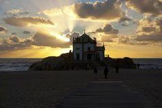 Porto offre des panoramas magnifiques lors des couchers de soleil.