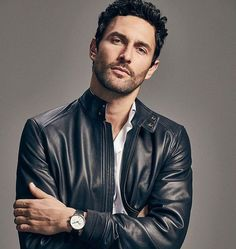 Top model and actor Noah Mills is enlisted by Massimo Dutti to appear in imagery for its Limited Edition Spring/Summer 2017 which presents a new concept of male Leather Jeans Men, Leather Jacket Outfits, Men's Leather Jacket, Leather Jackets, Jacket Men, Black Leather, Noah Mills, Men Photoshoot, Poses For Men