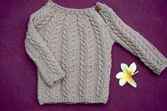 "Knitmandu: Lille snoningssweater fra ""Strikkede Babydrømme"""