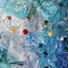 Tire dumps, condoms, empty bottles, garbage bags and surrealist camping lunches are only some of the subjects covered in Till Rabus' body of work. Ocean Pollution, Plastic Pollution, A Level Photography, Photography Projects, School Photography, Art Environnemental, Pop Art, Trash Art, Surrealism Painting