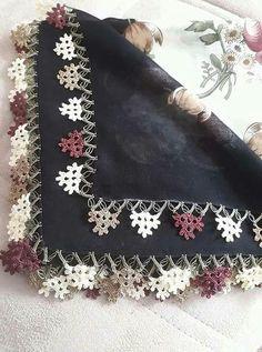 Named Clothing Kielo Wrap Dress Sewing Pattern - Livia Crochet Potholders, Crochet Motifs, Crochet Borders, Crochet Stitches Patterns, Tunisian Crochet, Crochet Trim, Crochet Lace, Knitting Patterns, Colored Hair Tips