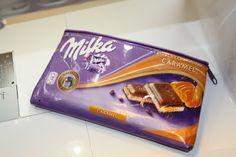 Such a brilliant idea: a pencil case stitched of chocolate paper sewbeedoo: DIY - Kramtasche aus Schokoladenpapier