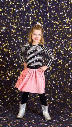 DRESS TO IMPRESS! #ochill #fashion #jurk #meisjes #girlslook #kinderkleding #feestdagen #roze #stripes #outfit #look #inspiratie #december Party Looks, Dress To Impress, Skater Skirt, December, Tulle, Stripes, Skirts, Outfits, Dresses