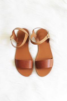 Barcelona Sandal in brown size 8