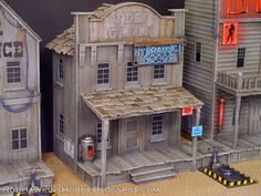 Welcome to my Wild West Exodus terrain gallery! The large tables below were commissioned by Outlaw Miniatures and Wa rcradle Studio. Forte Apache, Old Western Towns, Model Train Layouts, Building Structure, Le Far West, Miniature Houses, Miniture Things, Fairy Houses, Small World