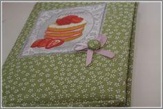 Obal na kuchařskou knihu.. Pot Holders, Sewing, Dressmaking, Hot Pads, Couture, Potholders, Stitching, Sew, Costura