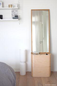 Via Valkoinen | Bedroom | Grey White Wood | String Pocket