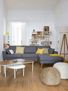Trendy Living Room Ideas Layout With Tv Small Trendy Wohnzimmer Ideen Layout mit TV Small Grey And Yellow Living Room, Living Room White, New Living Room, Living Room Interior, Home Interior Design, Living Room Decor, Gray Yellow, Small Living Room Design, Small Living Rooms