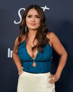 Salma Hayek attends the Annual Warner Bros And InStyle Golden Globe After Party at The Beverly Hilton Hotel on January 05 2020 in Beverly Hills. Salma Hayek Style, Salma Hayek Body, Beautiful Celebrities, Gorgeous Women, Salma Hayek Pictures, Selma Hayek, Fashion Model Poses, Indian Beauty Saree, Sexy Hot Girls