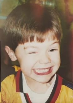 One does not pass up pinning this. >>>>>>>>>> Awwww Harry looked so cute