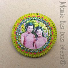 Broche aux Chinoises