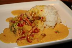 Thai Red Curry, Mashed Potatoes, Bacon, Food And Drink, Lunch, Meat, Chicken, Ethnic Recipes, Buttons