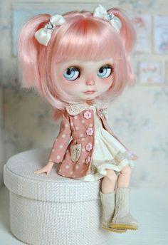 Blythe doll sida