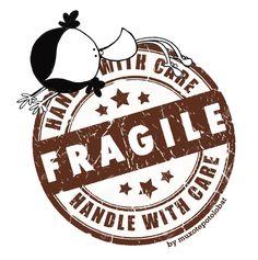 Porque también soy frágil. Y ando frágil. En estos días de taaaanta fuerza... y también de fragilidad. Y quiero quedarme a descansar, un ratito, en un rincón de tu corazón. Eeeeegunon mundo!!