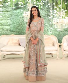 Shopzters   How To Style Your Anarkali Right This Wedding Season!