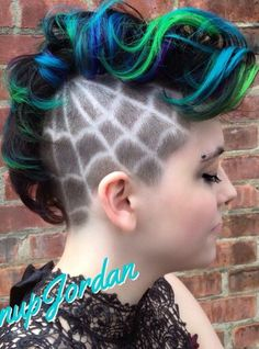 Web shaved sided design green blue dyed Mohawk hairstyle @pinupjordan