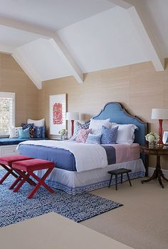 A subtle take on the patriotic red, white and blue. #bedroom