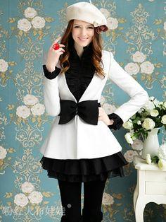 Adorable jacket and beret! Looks like a Kelly outfit to me. Mode Outfits, Fashion Outfits, Womens Fashion, Cute Coats, Winter Mode, Mode Hijab, Mode Inspiration, Mode Style, Wholesale Fashion