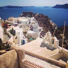 The wonderful Greek Island of Santorini European Vacation, European Travel, Vacation Spots, Santorini Holidays, Greek Island Holidays, Greek Islands Vacation, Cheap Holiday, Greece Islands, Greece Travel