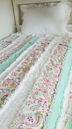 Handmade strip rag quilt Twin size, girls room, quilt, pretty fabric