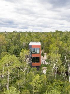 Prefab homes and modular homes in Canada: Modular Prefab Homes by Quality Homes, Ontario Modular Home Builders, Custom Modular Homes, Custom Homes, Contemporary Cottage, Contemporary Design, Modern Design, Prefab Homes, Beautiful Architecture, Model Homes